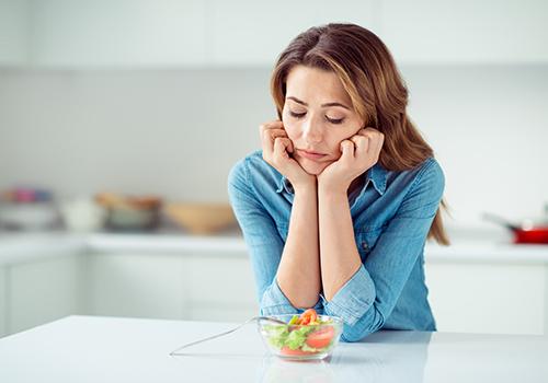 Adicione Tempero Às Saladas Chatas Com Estes Molhos Para Salada